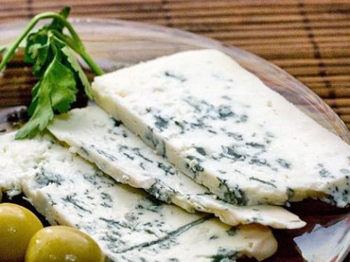 """Купить Сыр """"ДорБлю Класик"""" с благородной голубой плесенью, Германия"""