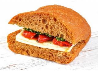 Купить Чиабатта с сыром Моцарелла, соусом песто и вяленными томатами