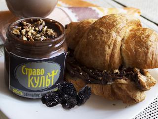 Купить Шоколадно-трюфельная паста-мазанка с вяленым черносливом и грецкими орехами