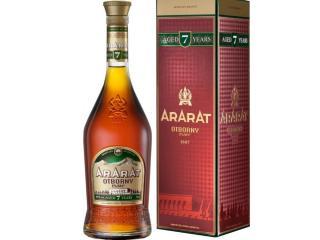 Купить Бренди ARARAT Отборный 7 лет выдержки 0.7 л 40% в подарочной упаковке