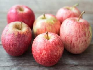 Купить Яблоки сорта Гала ОПТ