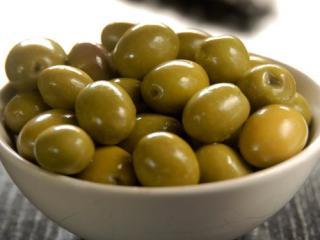 Купить Зеленые оливки с косточкой, 430 гр