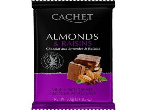 Купить Молочный шоколад Cachet с изюмом и миндалем