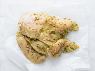 Купить Грудинка куриная маринованная в горчично-лимонном соусе
