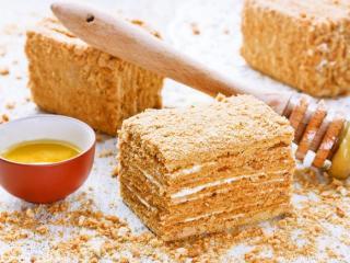 """Купить Традиционный торт """"Медовик"""" со сметанным кремом  [большой]"""